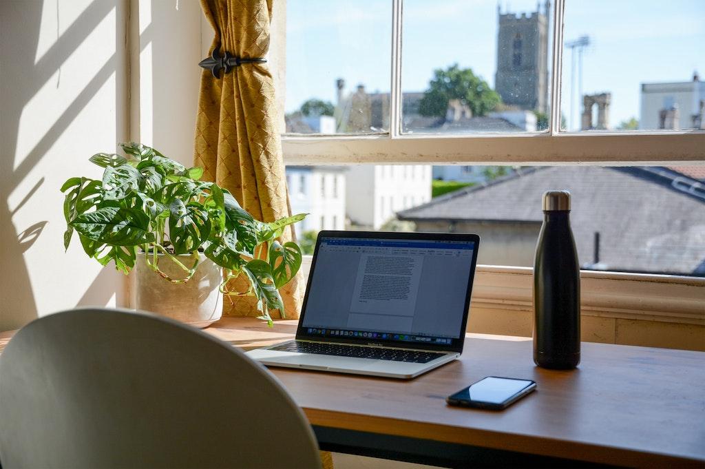 Minimal kitchen, space-saving at-home office design