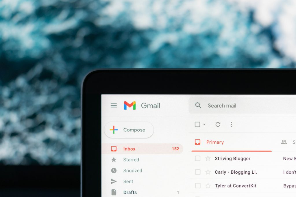 Cluttered email inbox in need of a declutter